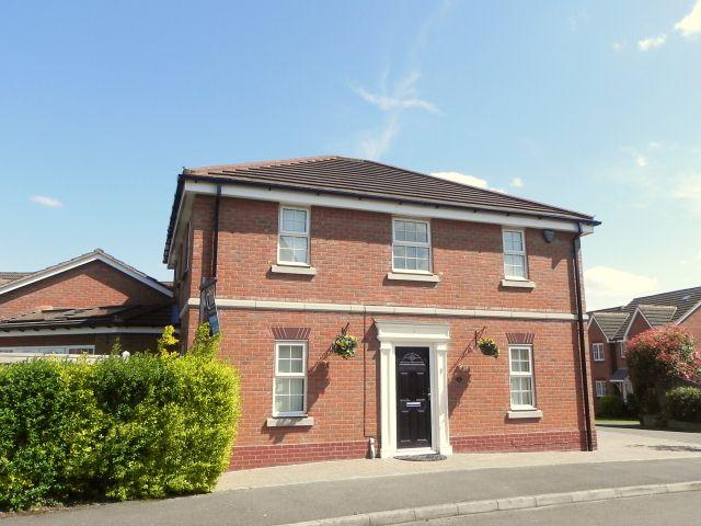 5 Bedrooms Detached House for sale in Water Mill Crescent,New Hall Manor,Sutton Coldfield