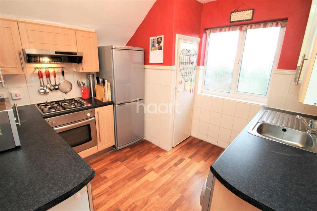 2 Bedrooms Maisonette Flat for sale in Northcroft