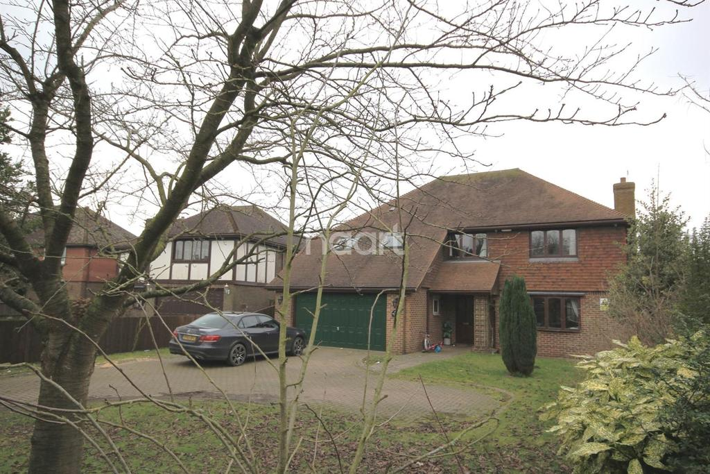 5 Bedrooms Detached House for sale in Ashford Road, Birchwood, CT21 4JB