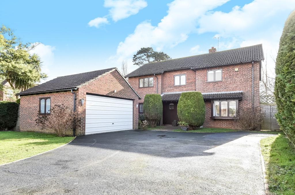 5 Bedrooms Detached House for sale in Chawkmare Coppice, Aldwick, Bognor Regis, PO21