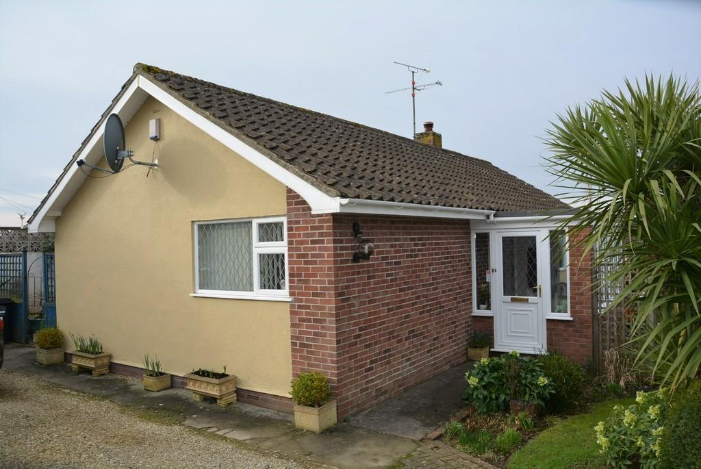 2 Bedrooms Detached Bungalow for sale in Mendip Edge, Weston-super-Mare