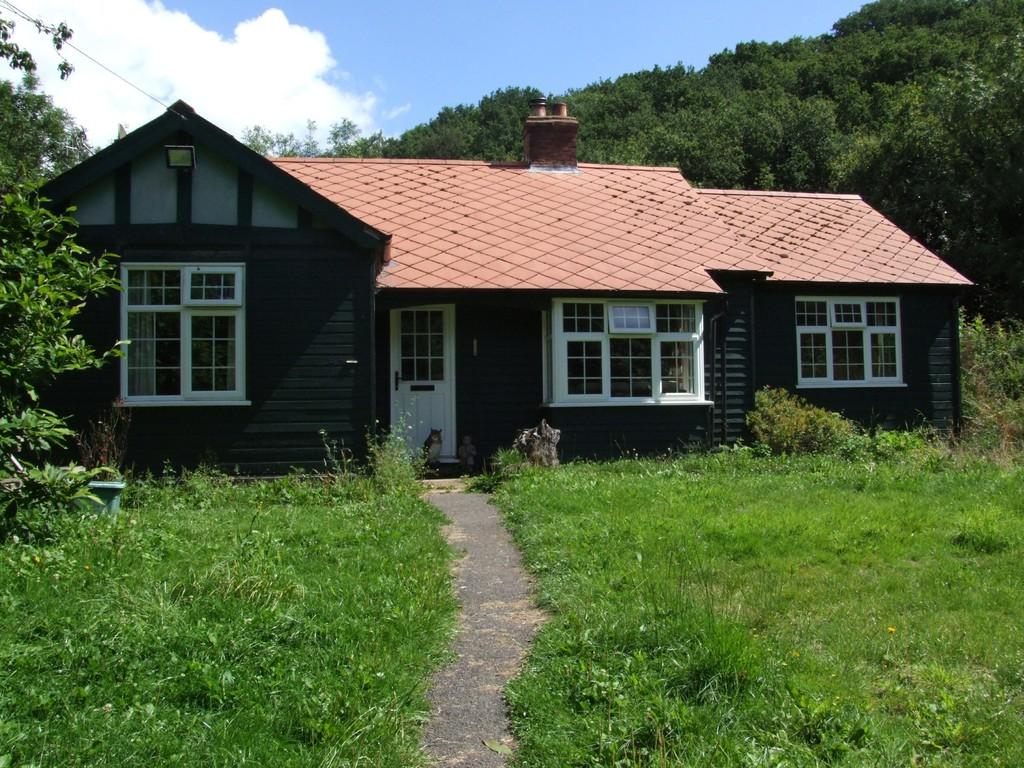 4 Bedrooms Detached Bungalow for sale in Dunsford, Exeter