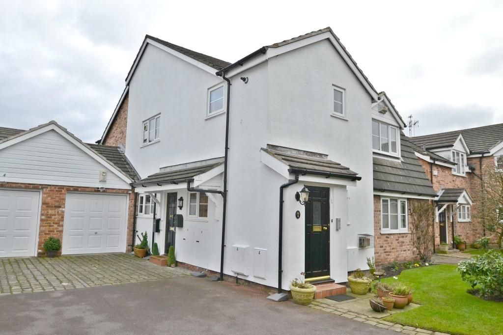 2 Bedrooms Apartment Flat for sale in Park Lodge Close, Cheadle