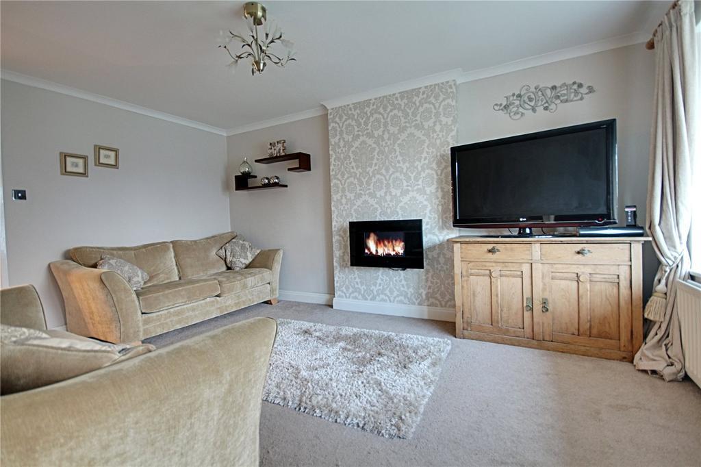 3 Bedrooms Semi Detached House for sale in Badger Lane, Ingleby Barwick