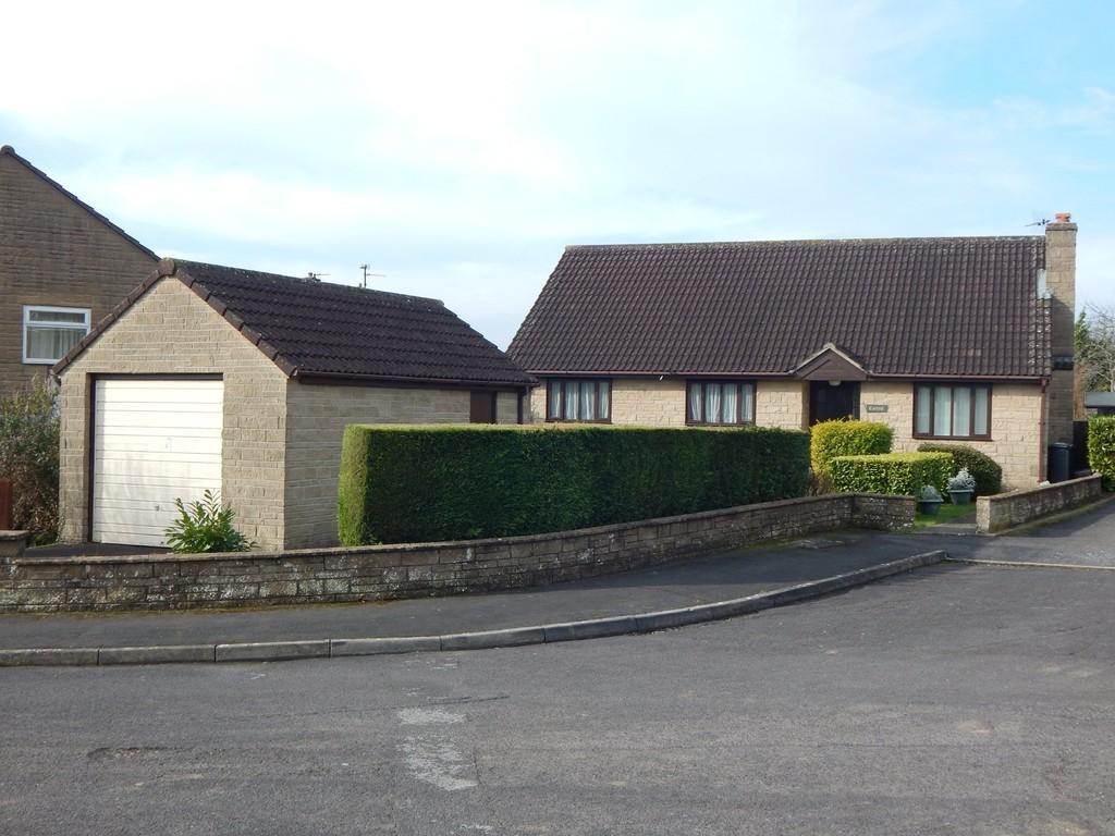 3 Bedrooms Detached Bungalow for sale in Kingsacre, Castle Cary
