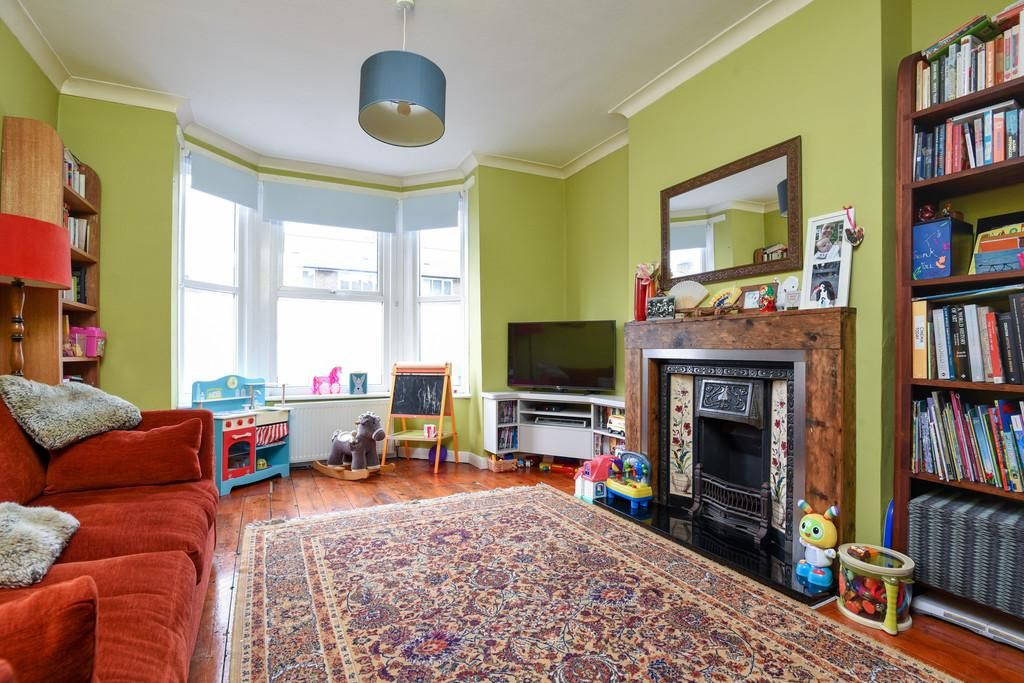3 Bedrooms Terraced House for sale in St. Norbert Road SE4
