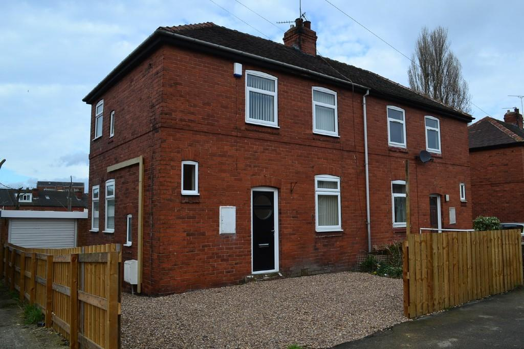 2 Bedrooms Semi Detached House for sale in Princess Avenue, South Elmsall