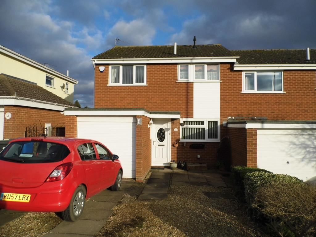 3 Bedrooms Semi Detached House for sale in Columbus Crescent, Rothwell, Northants, NN14 6ST