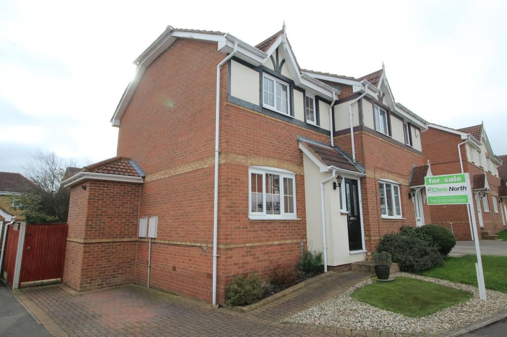 2 Bedrooms Semi Detached House for sale in Springvale Close, Sharlston Common
