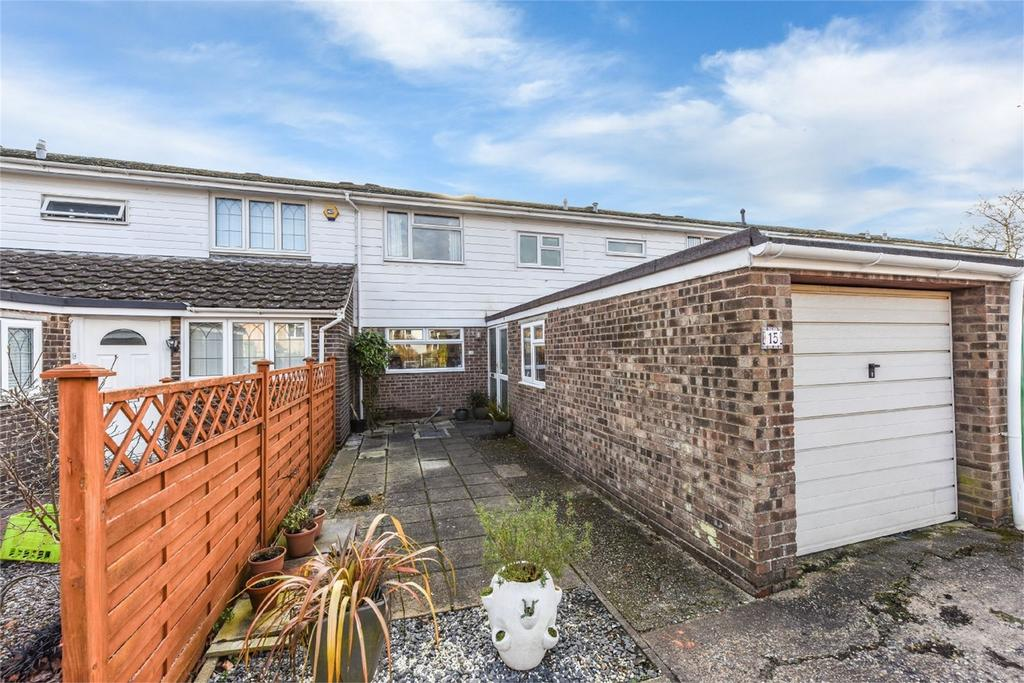 3 Bedrooms Terraced House for sale in Widgeons, Alton