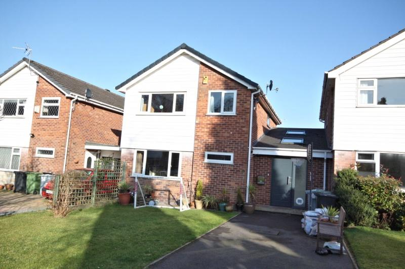 4 Bedrooms Detached House for sale in Charlecote Road, Poynton, SK12