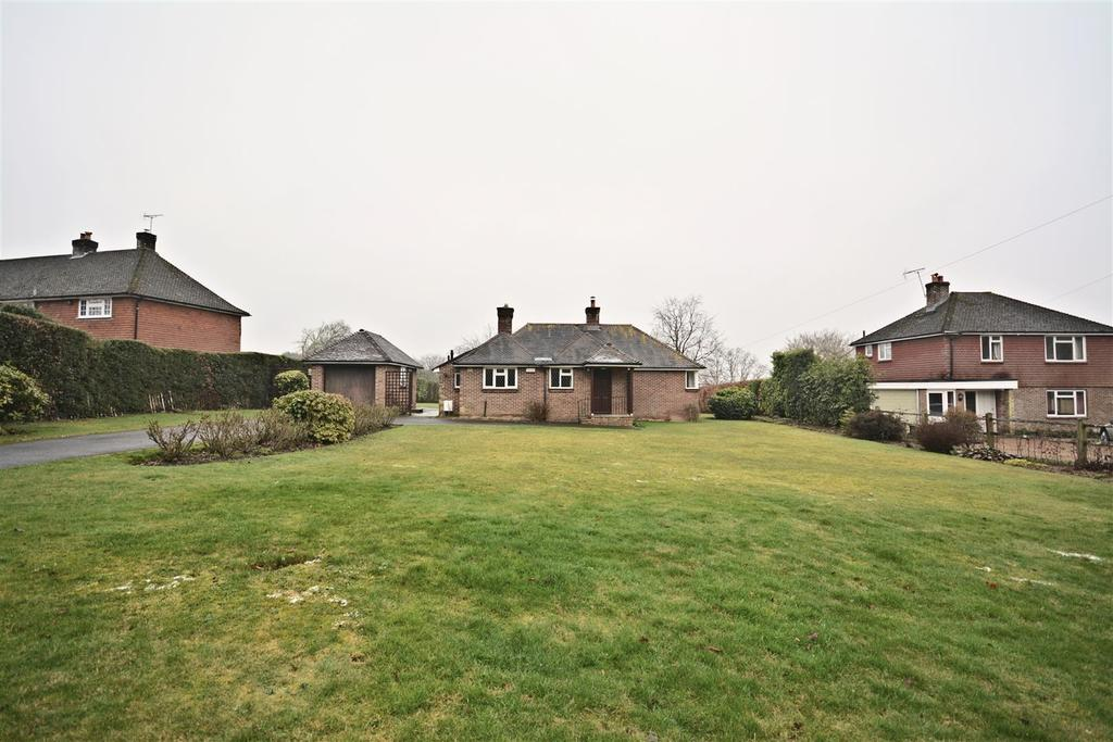 2 Bedrooms Bungalow for sale in Burgh Hill, Etchingham