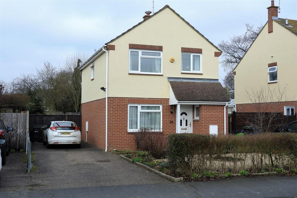 4 Bedrooms Detached House for sale in Remembrance Avenue, Hatfield Peverel