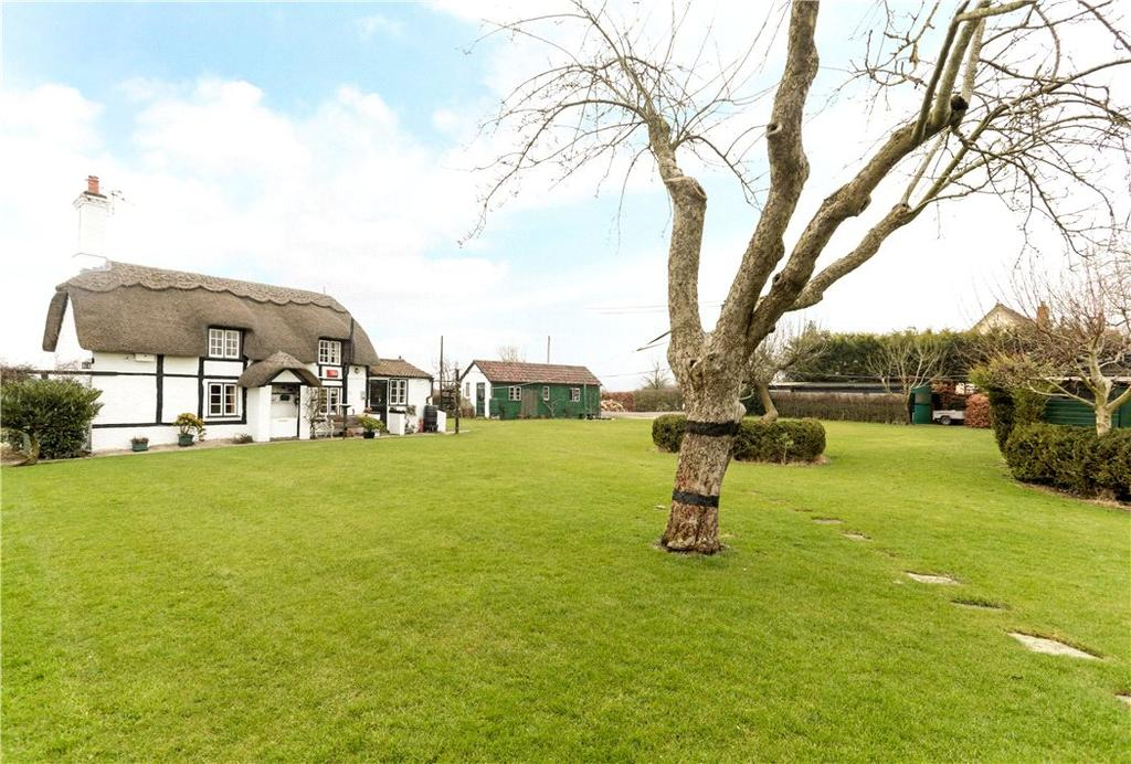 2 Bedrooms Detached House for sale in Wood Street, Clyffe Pypard, Swindon, Wiltshire, SN4