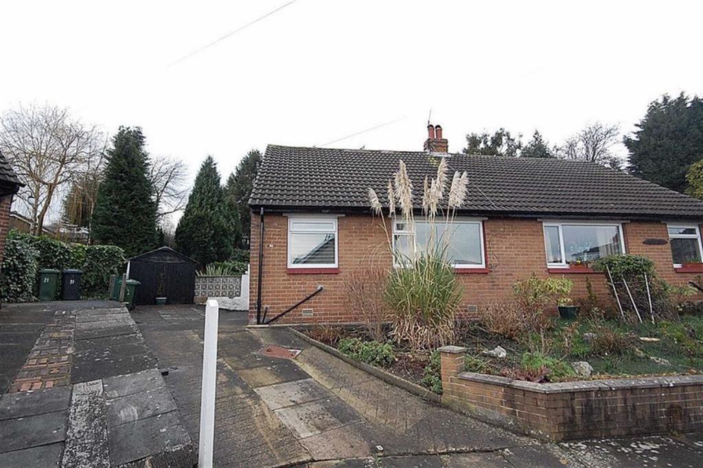 1 Bedroom Semi Detached Bungalow for sale in Skipton Avenue, Fartown, Huddersfield, HD2