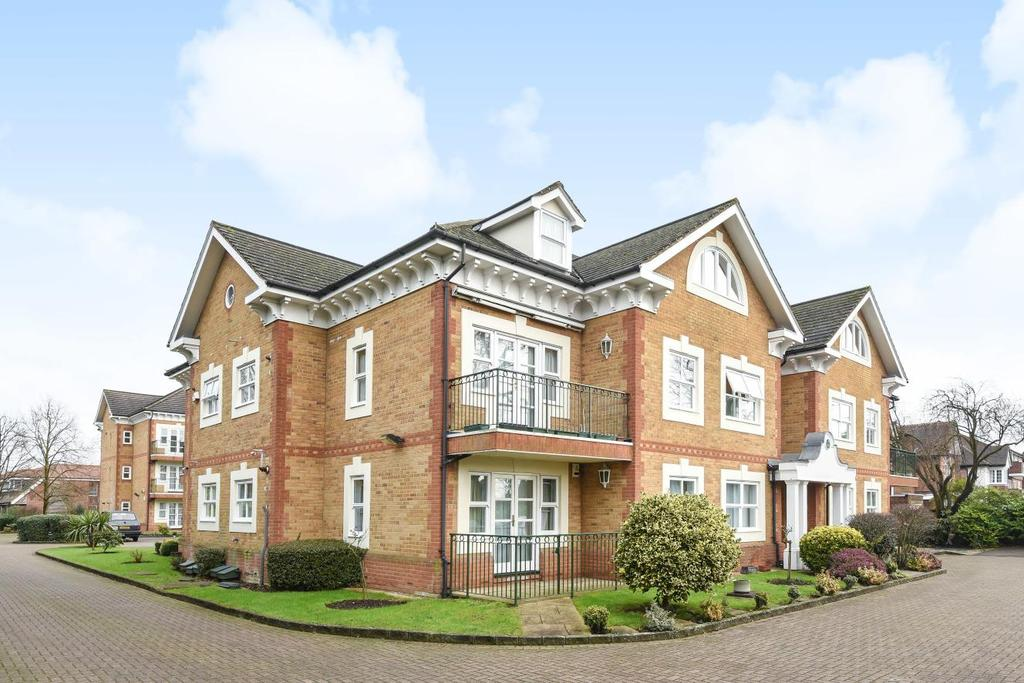 2 Bedrooms Penthouse Flat for sale in Chase Side, Southgate, N14