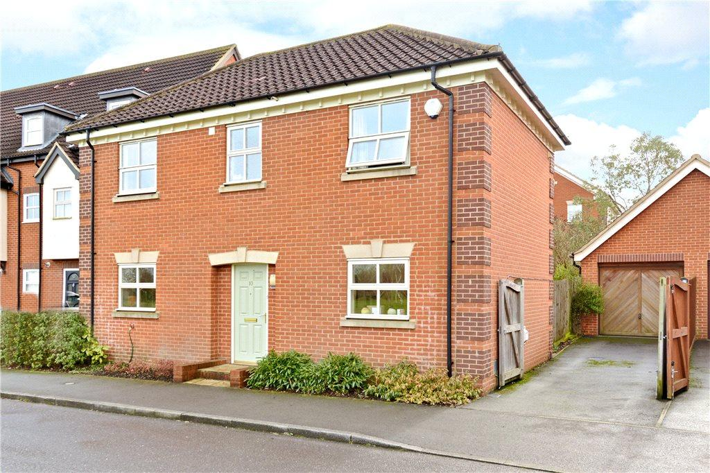 3 Bedrooms Detached House for sale in Killerton Close, Westcroft, Milton Keynes, Buckinghamshire