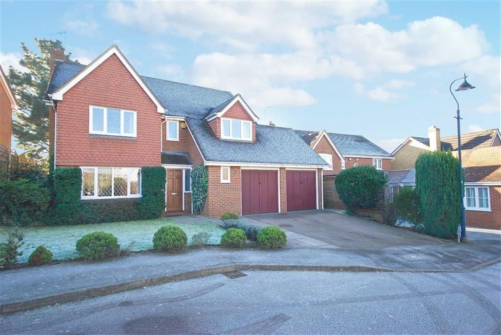 5 Bedrooms Detached House for sale in Wayside, Shenley
