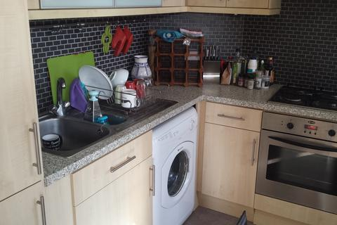 1 bedroom flat to rent - First floor flat, 3 St James's Avenue, Kemp Town, Brighton BN2