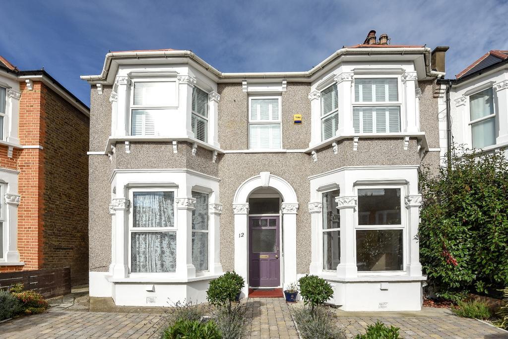 3 Bedrooms Flat for sale in Minard Road London SE6
