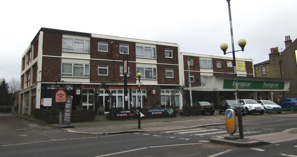1 Bedroom Flat for sale in High Road, Finchley N12