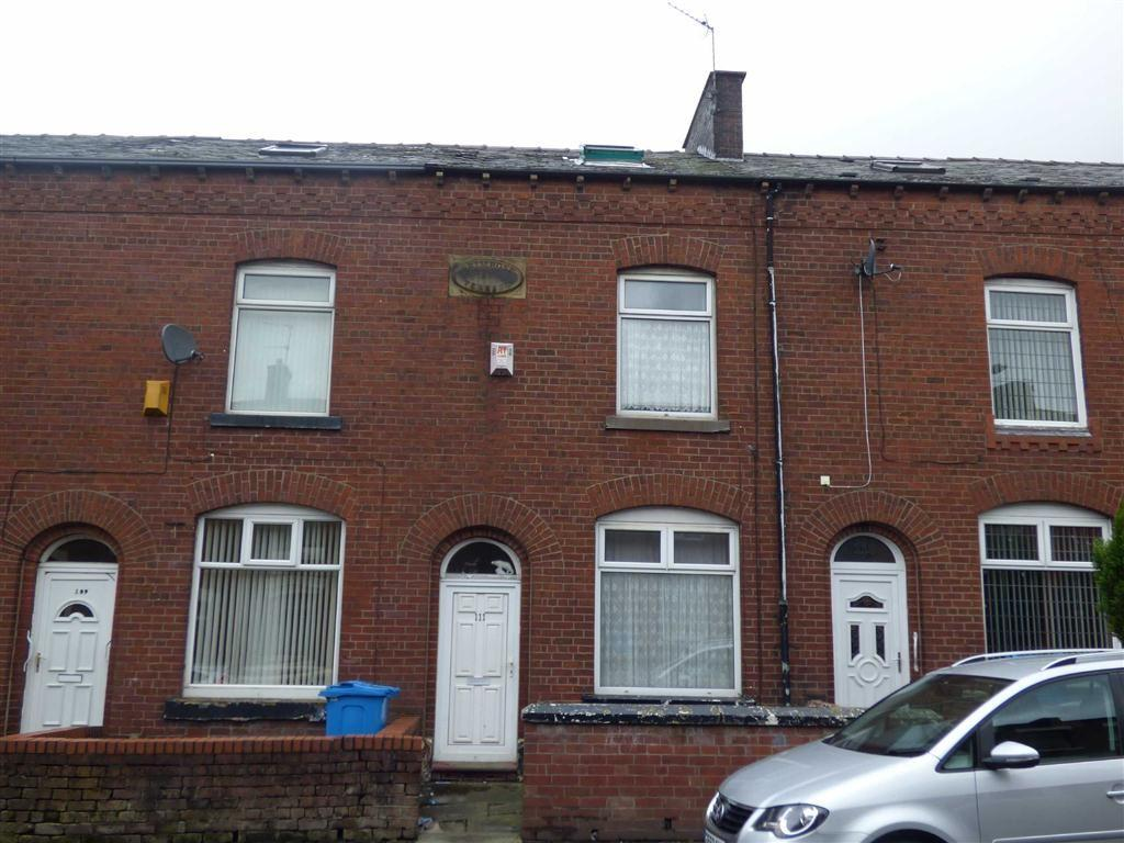 2 Bedrooms Terraced House for sale in Roundthorn Road, Oldham, OL4