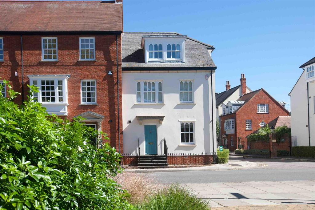3 Bedrooms Town House for sale in Crane Bridge Road, Salisbury