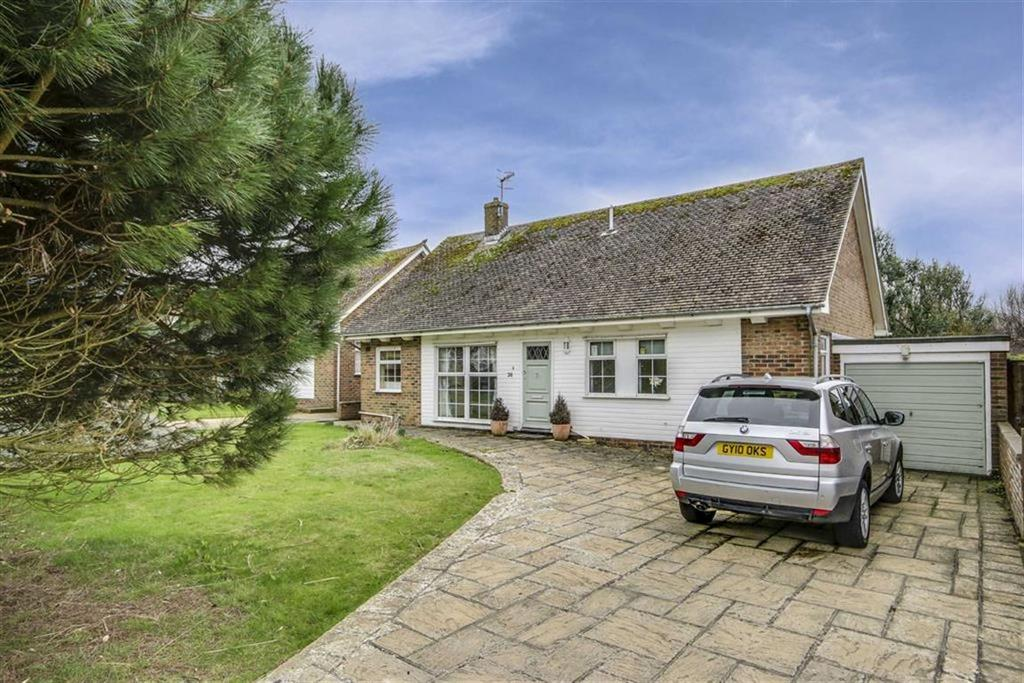 3 Bedrooms Detached Bungalow for sale in Fairways Road, Seaford
