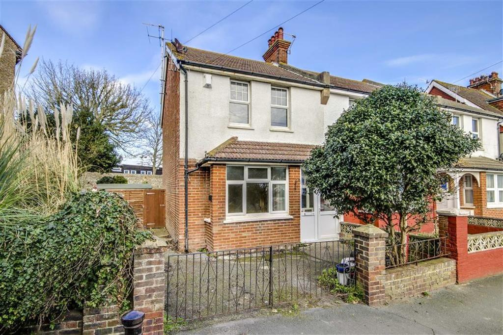 3 Bedrooms Semi Detached House for sale in Bramber Road, Seaford