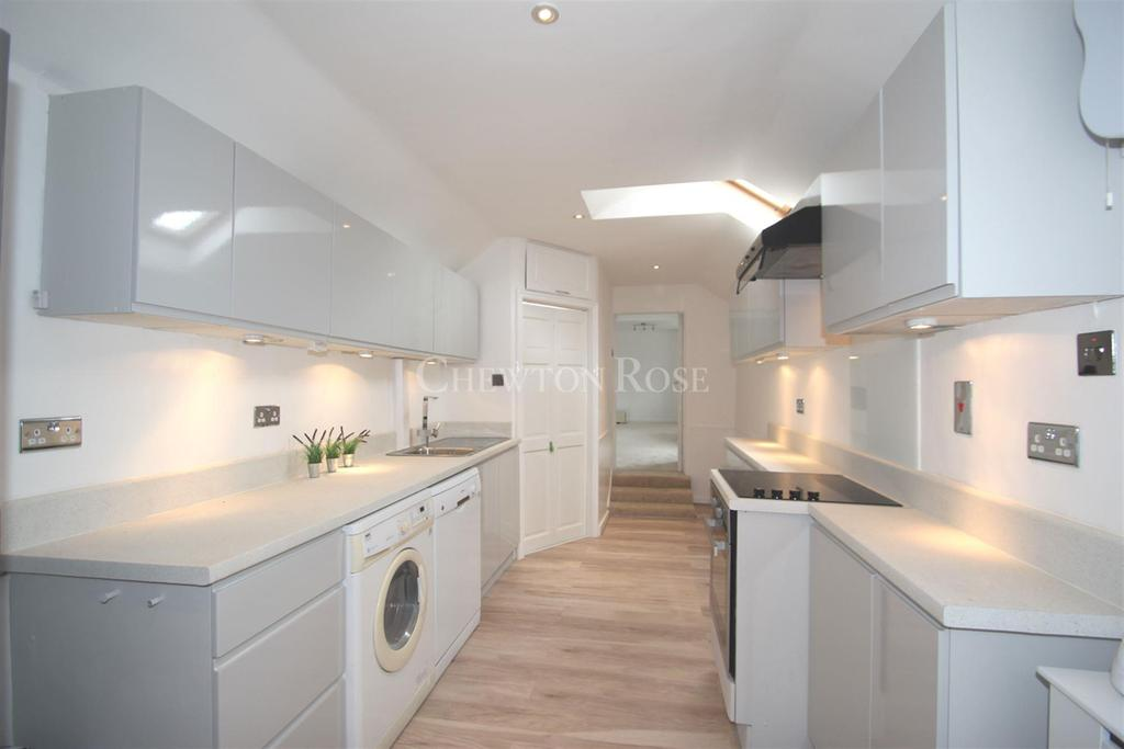 2 Bedrooms Flat for sale in Victoria Road, South Ascot
