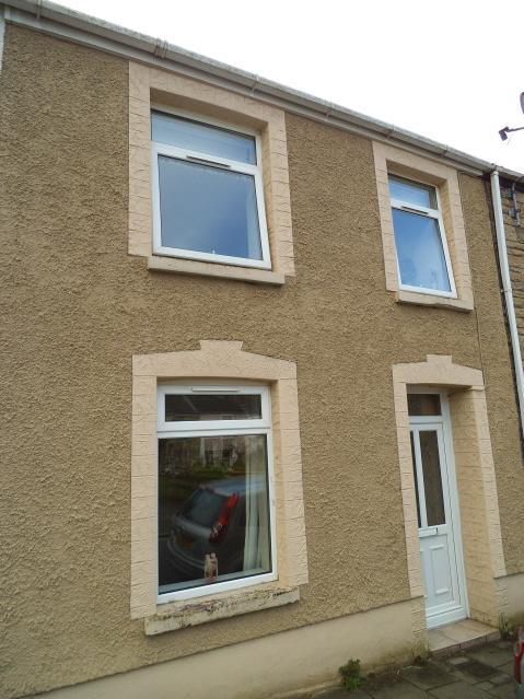 3 Bedrooms Terraced House for sale in South Street, Bridgend CF31