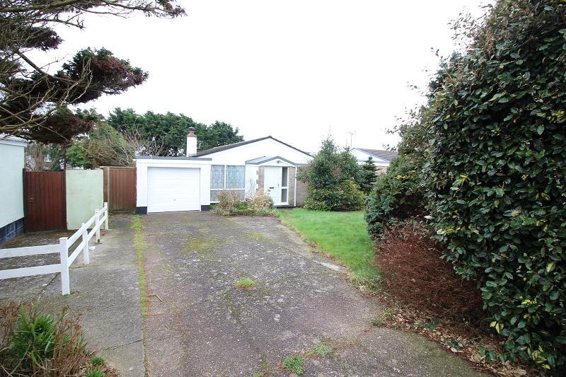4 Bedrooms Detached Bungalow for sale in Little Castle Grove, Herbrandston, Milford Haven, Pembrokeshire. SA73 3SP