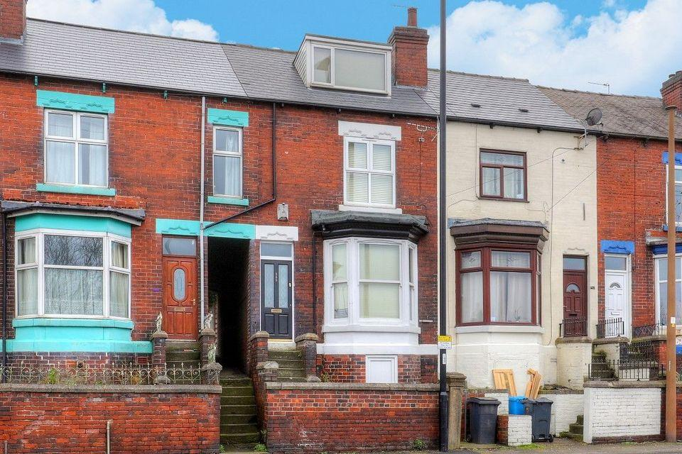 3 Bedrooms Terraced House for sale in 545 Chesterfield Road, Woodseats, Sheffield S8