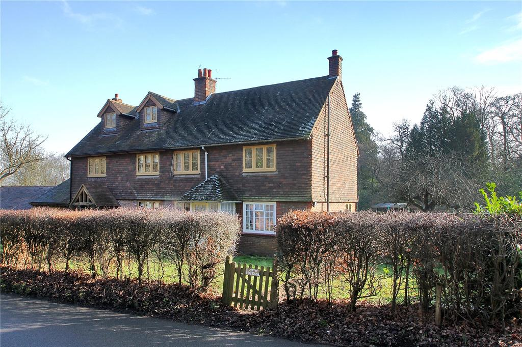 3 Bedrooms Semi Detached House for sale in New Cottages, Puttenden Road, Shipbourne, Tonbridge