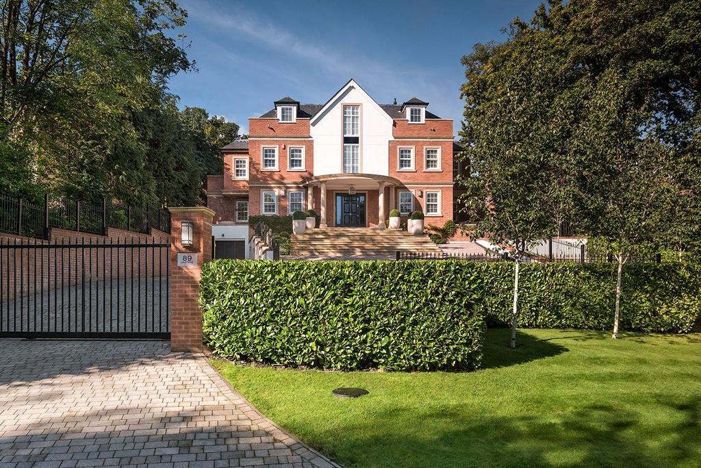 7 Bedrooms Detached House for sale in Camp Road, Gerrards Cross, Buckinghamshire