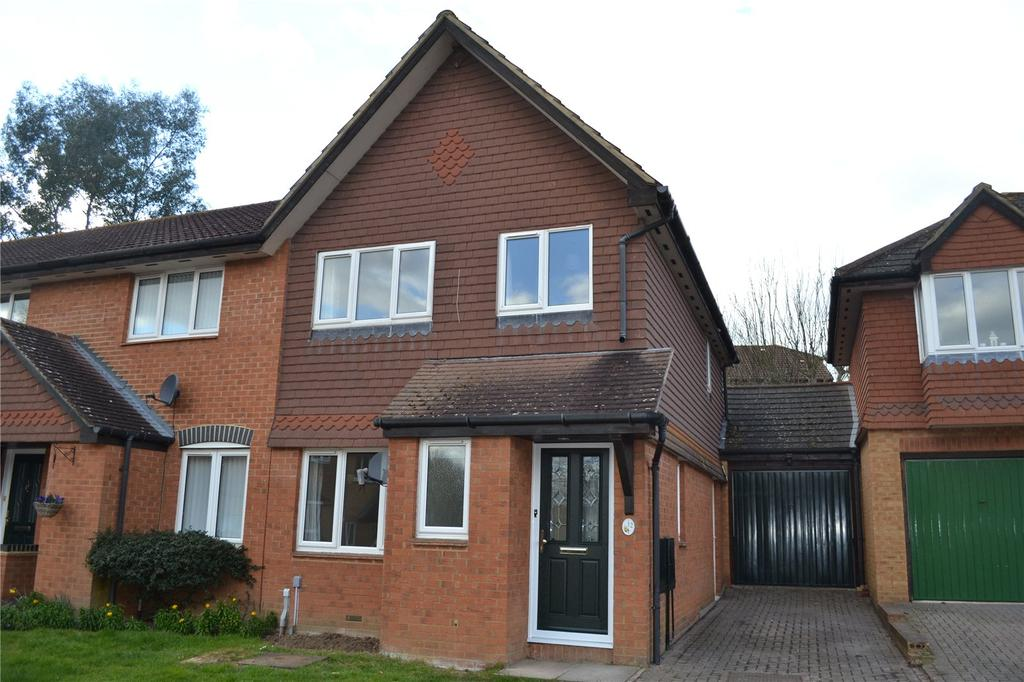 3 Bedrooms End Of Terrace House for rent in Poundfield Way, Twyford, Reading, Berkshire, RG10