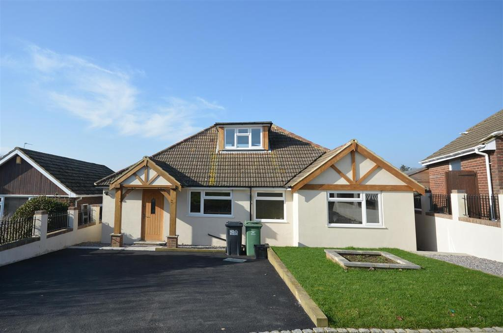 3 Bedrooms Bungalow for sale in St. Annes Close, Bexhill-On-Sea