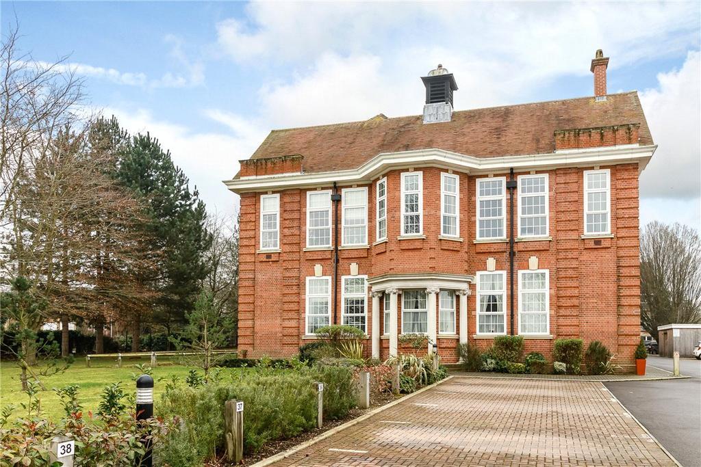 1 Bedroom Apartment Flat for sale in Luker Court, Ireland Drive, Newbury, Berkshire, RG14