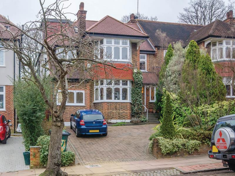5 Bedrooms Semi Detached House for sale in Ringwood Avenue, London