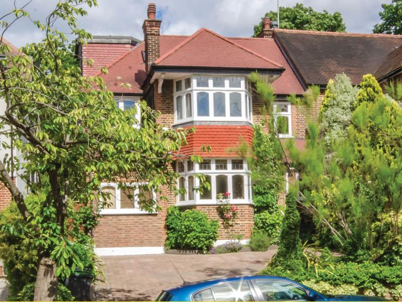 5 Bedrooms Semi Detached House for sale in Ringwood Avenue, N2