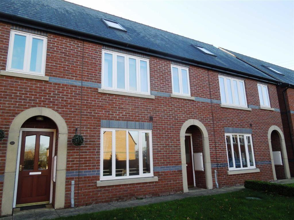 3 Bedrooms Terraced House for sale in Parc Caradog, Welshpool, SY21