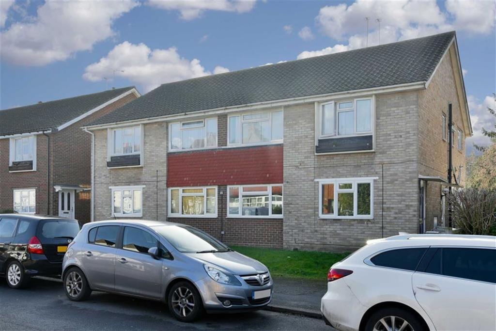 2 Bedrooms Flat for sale in Albert Road, Epsom, Surrey