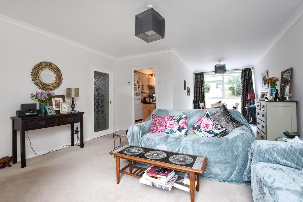 3 Bedrooms Flat for sale in Lubbock Road, Chislehurst, BR7
