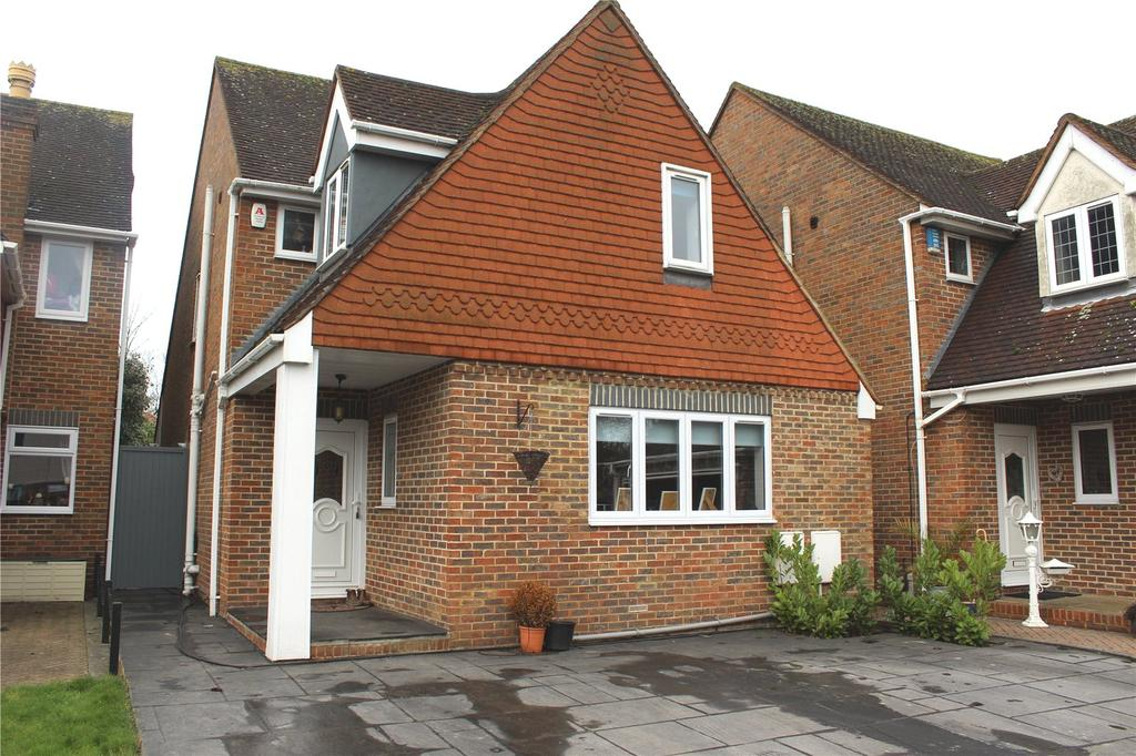 4 Bedrooms Detached House for sale in Cottage Mews, Westmoreland Avenue, Hornchurch, RM11