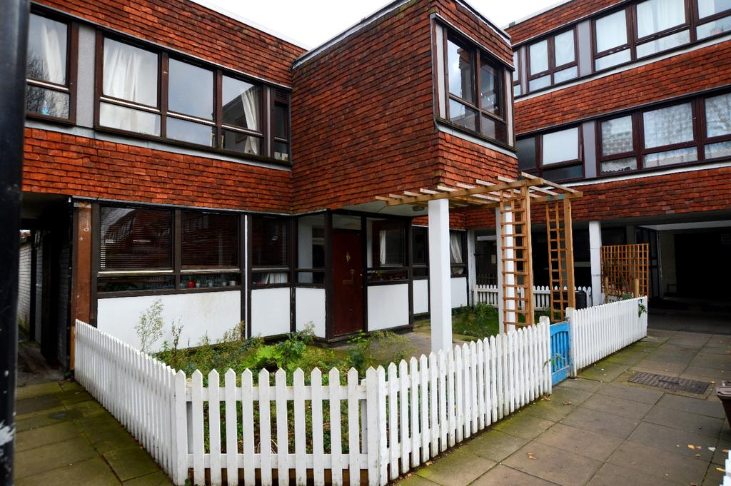 3 Bedrooms Terraced House for sale in Carlton Grove Peckham SE15