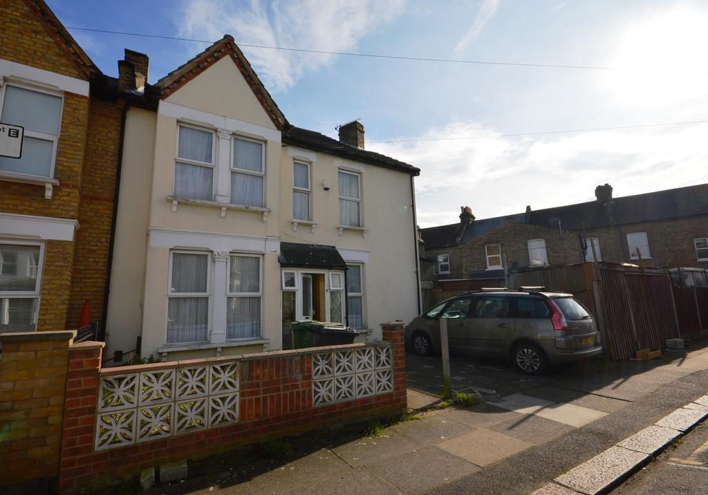 3 Bedrooms End Of Terrace House for sale in Albacore Crescent London SE13