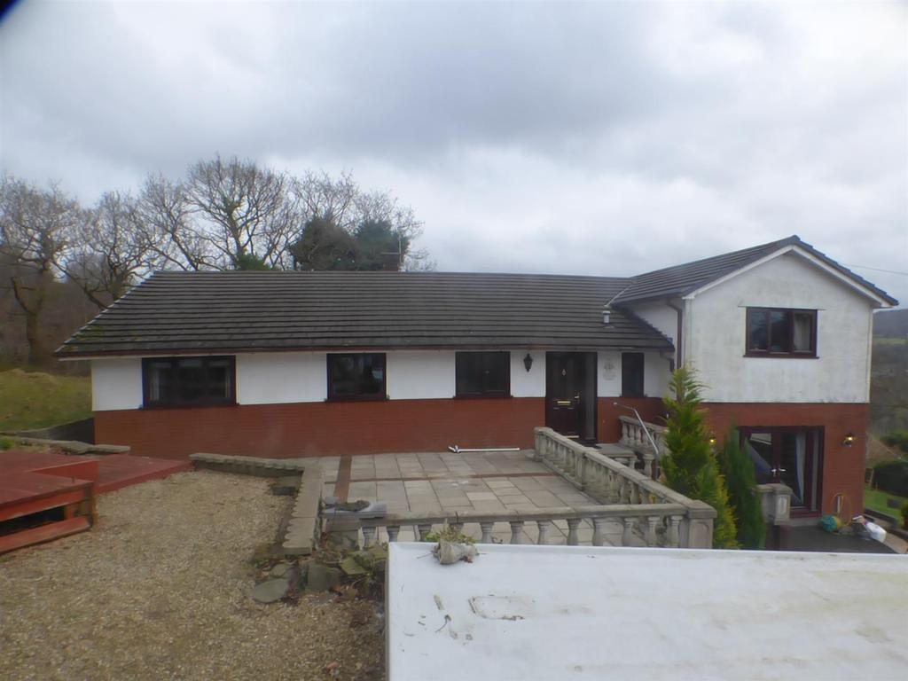 4 Bedrooms Detached House for sale in Glynmeirch Road, Pontardawe, Swansea