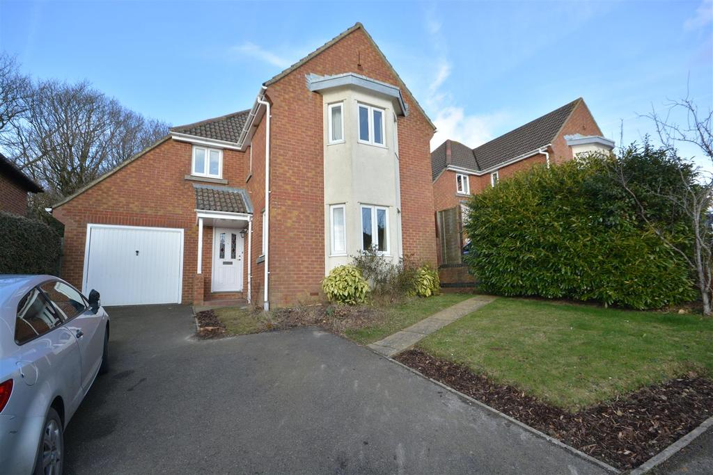 4 Bedrooms Detached House for sale in Bowsprit Mews, St. Leonards-On-Sea