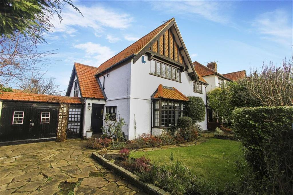 4 Bedrooms Detached House for sale in Holywell Avenue, Whitley Bay, Tyne And Wear