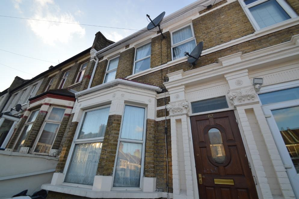 3 Bedrooms Terraced House for sale in Griffin Road, Plumstead SE18